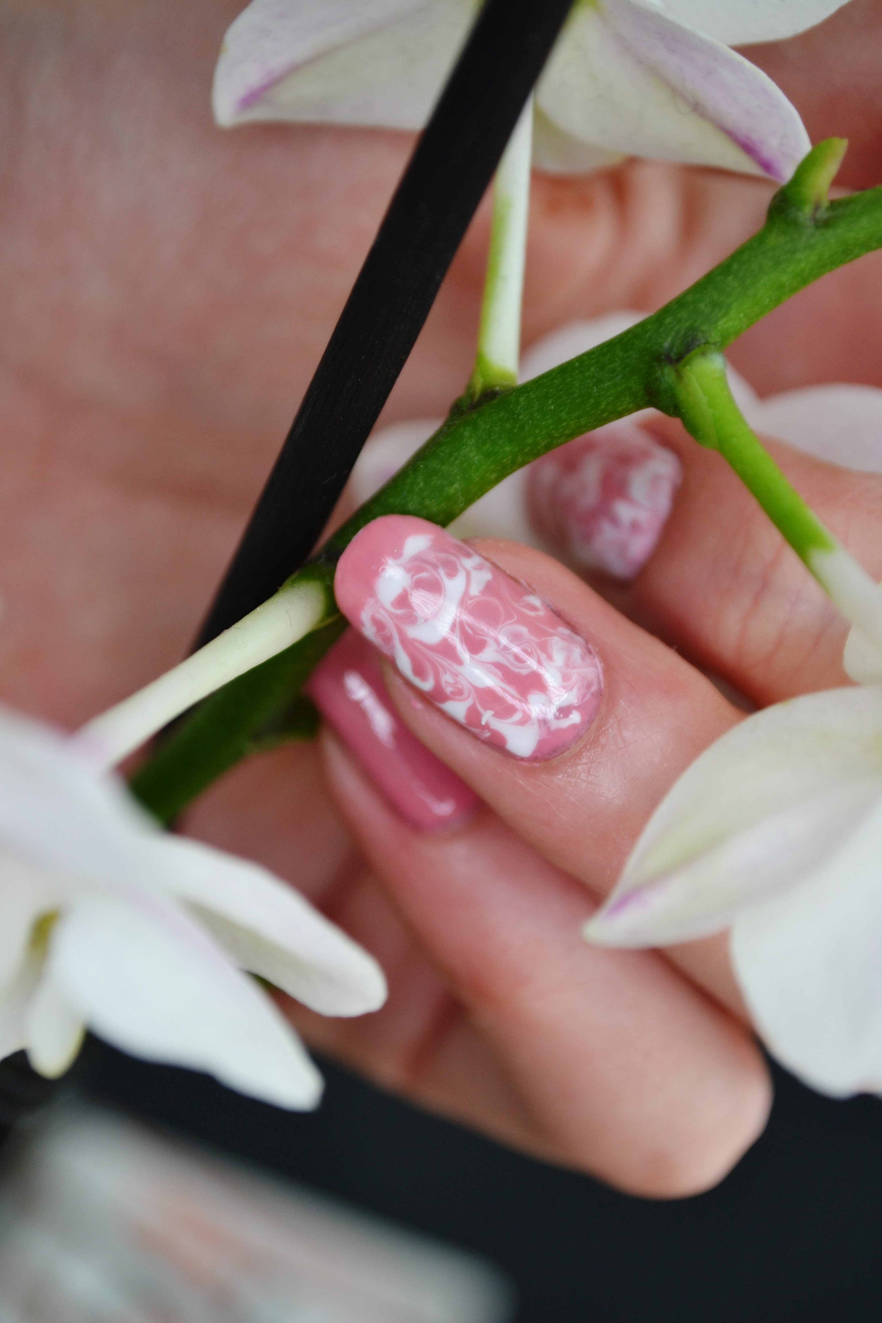 Marble nail art tutorialcnd shellac beauty conspirator nail art design is created using cnd shellac base coat cnd shellac top coat cnd shellac polish rose bud msk shellac polish in white prinsesfo Choice Image